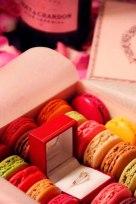 pedida de mano entre dulces